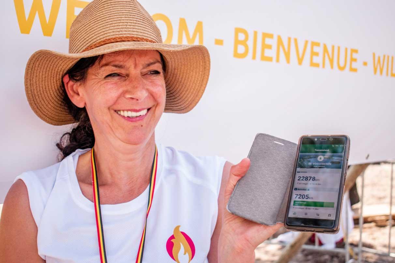 — Irène, medewerkster Center Parcs De Vossemeren toont de Fit@Work app