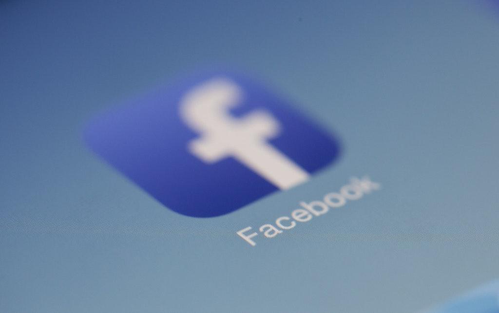 Facebook icoon op een scherm